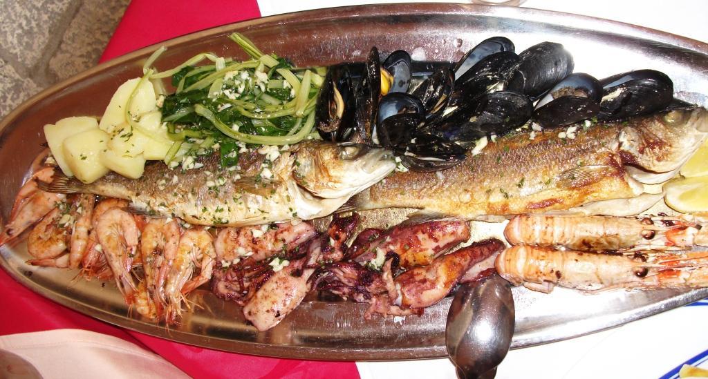 Local dalmatian food essence of dubrovnik for Fresh fish store near me