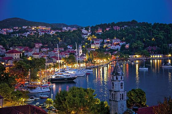 Cavtat Riva at dusk