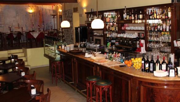 Manon Bar