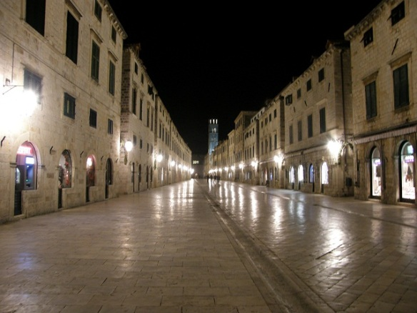 The Stradun during winter, my favorite time.