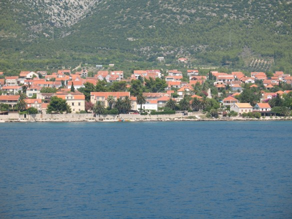 White house next to the sea in Orebic