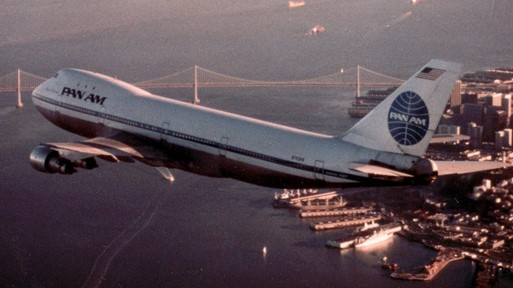Pan-Am-747-over-San-Francisco (2)